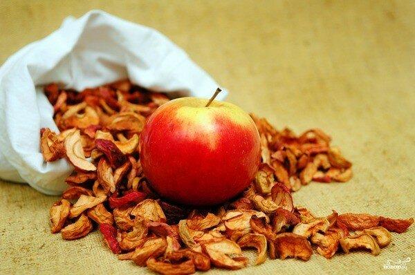 Свежее и сушеное яблоко